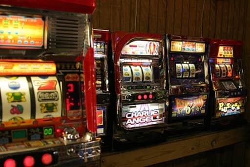 カジノのスロットマシンの勝率をマシン別にみる